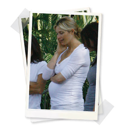 Kelly Rutherford in Paulina Umstandsmode Shirt
